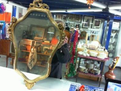 Specchio dorato decorato a mano con foglio d 39 oro vintage for Specchio fine 800